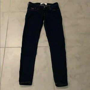Hollister jeans size 3, waist 26.
